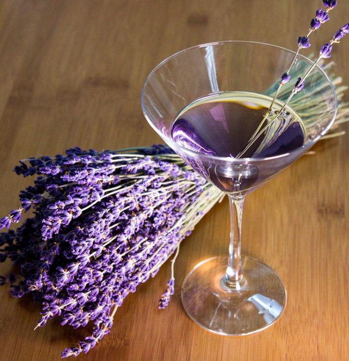 Summer Botanical Cocktails: Lavender Martini