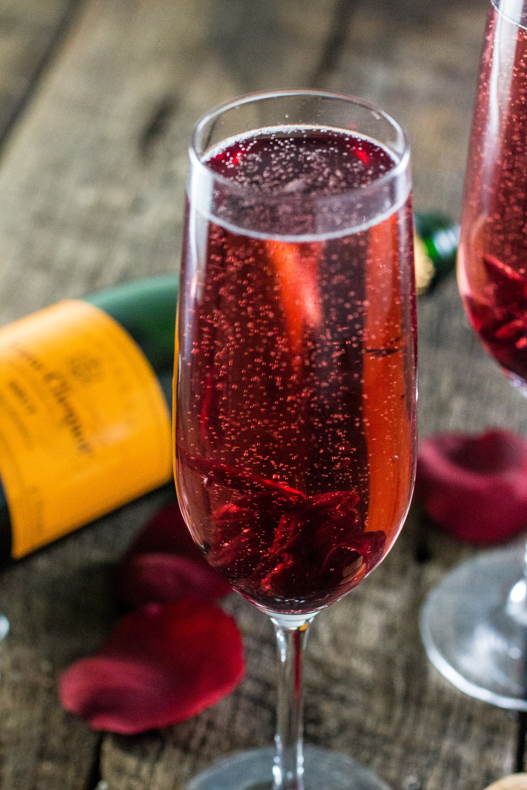 Summer Botanical Cocktails: Hibiscus Champagne Cocktail